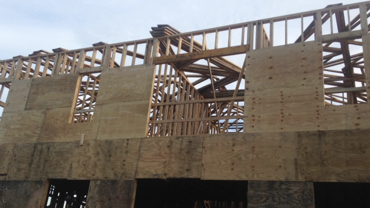 8 Oct 2015 front wih trusses