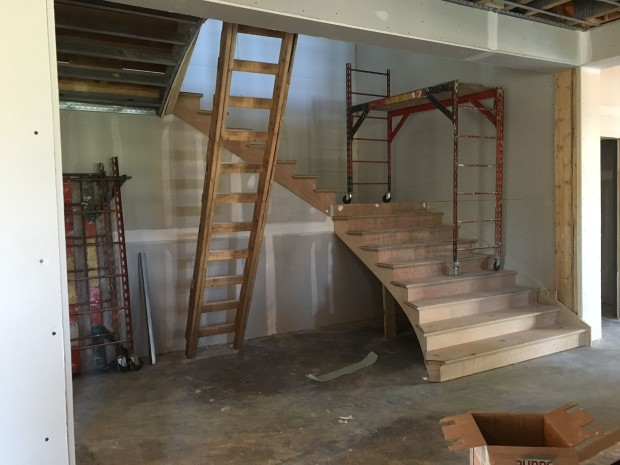 13 Apr 2016 monumental stair